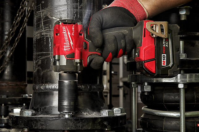 Save up to 20% on exclusive Milwaukee M18 FUEL bundles!
