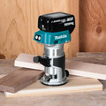 Factory Reconditioned Makita XTR01T7-R 18V LXT Lithium-Ion 1/4 in. Cordless Compact Router Kit (5 Ah) image number 3