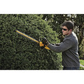 Dewalt DCHT820P1 20V MAX 5.0 Ah Cordless Lithium-Ion 22 in. Hedge Trimmer image number 3