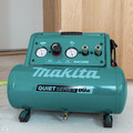 Makita MAC320Q Quiet Series 1-1/2 HP 3 Gallon Oil-Free Hand Carry Air Compressor image number 12