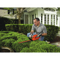 Black & Decker TR116 3 Amp 16 in. Dual Action Electric Hedge Trimmer image number 7