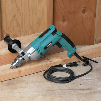 Makita DP4000 7 Amp 0 - 900 RPM Variable Speed 1/2 in. Corded Heavy Duty Drill image number 4