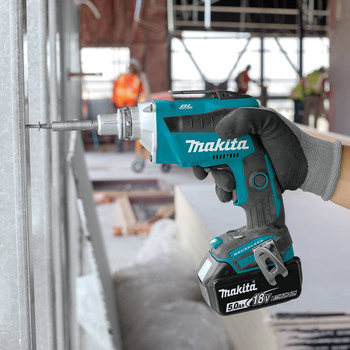 Makita XSF03T 18V LXT 5.0 Ah Lithium-Ion Brushless Cordless Drywall Screwdriver Kit image number 5