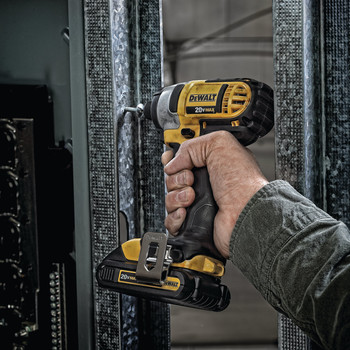 Dewalt DCF885C2 20V MAX Cordless Lithium-Ion 1/4 in. Impact Driver Kit image number 6