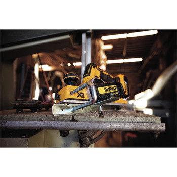 Dewalt DCP580B 20V MAX Brushless Lithium-Ion 3-1/4 in. Planer (Tool Only) image number 10