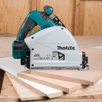 Factory Reconditioned Makita XPS01PTJ-R 18V X2 5.0 Ah Cordless Lithium-Ion Brushless 6-1/2 in. Plunge Circular Saw Kit image number 6