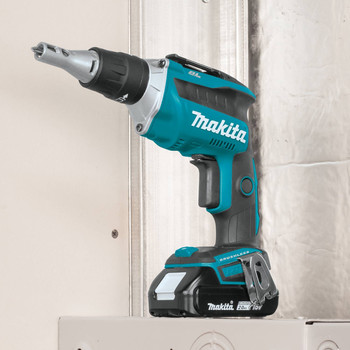 Makita XSF04R 18V LXT 2.0 Ah Lithium-Ion Compact Brushless Cordless 2,500 RPM Drywall Screwdriver Kit image number 6