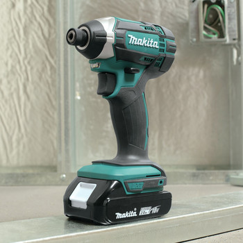 Factory Reconditioned Makita CT225R-R LXT 18V 2.0 Ah Cordless Lithium-Ion Compact Impact Driver and 1/2 in. Drill Driver Combo Kit image number 15