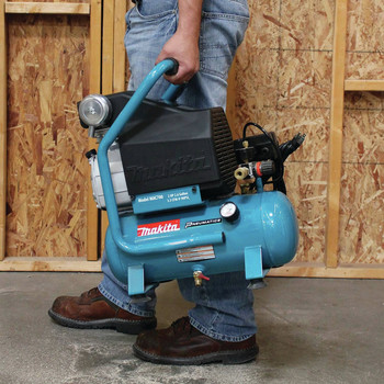 Factory Reconditioned Makita MAC700-R 2.0 HP 2.6 Gallon Oil-Lube Air Compressor image number 10