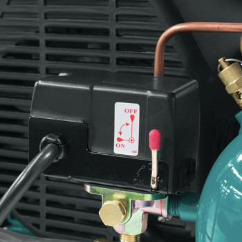 Factory Reconditioned Makita MAC2400-R 2.5 HP 4.2 Gallon Oil-Lube Air Compressor image number 10