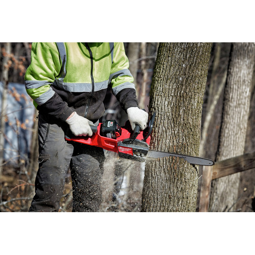 Milwaukee 2727-21HD M18 FUEL 16 in. Chainsaw Kit image number 6