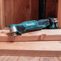 Makita AD03R1 12V max CXT Lithium-Ion 3/8 in. Cordless Right Angle Drill Kit (2 Ah) image number 9