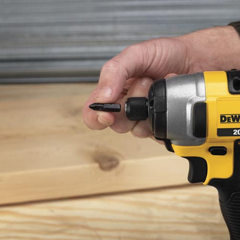 Dewalt DCF885M2 20V MAX XR Cordless Lithium-Ion 1/4 in. Impact Driver Kit image number 2