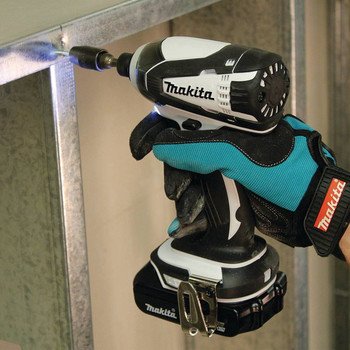 Factory Reconditioned Makita XDT04CW-R 18V 1.5 Ah Cordless Lithium-Ion 1/4 in. Hex Compact Impact Driver Kit image number 4