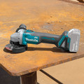 Makita XAG09Z 18V LXT Lithium-Ion Brushless Cordless 4-1/2 in. / 5 in. Cut-Off/Angle Grinder with Electric Brake (Tool Only) image number 3