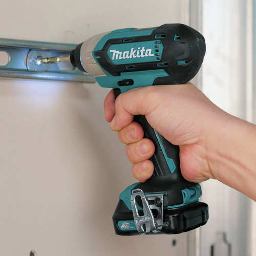 Makita CT232 12V max CXT 1.5 Ah Lithium-Ion 2-Piece Combo Kit image number 13