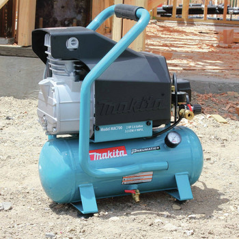 Factory Reconditioned Makita MAC700-R 2.0 HP 2.6 Gallon Oil-Lube Air Compressor image number 9