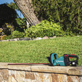 Makita XHU08T 18V LXT Lithium-Ion Brushless Cordless 30 in. Hedge Trimmer Kit (5 Ah) image number 9