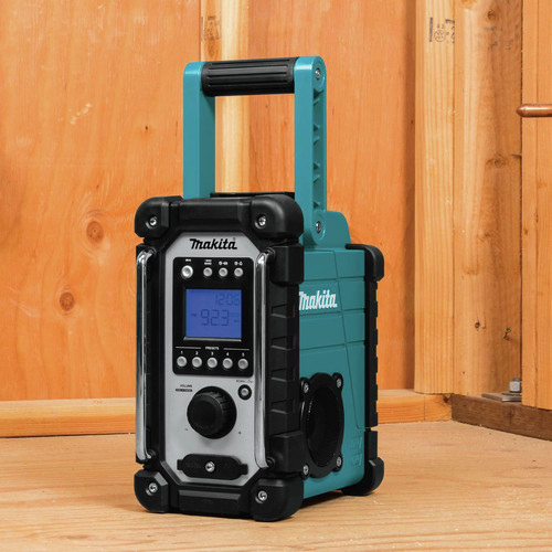 Makita XRM05 18V LXT Lithium-Ion Cordless Job Site Radio (Tool Only) image number 5