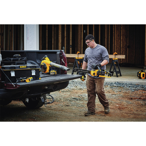 Dewalt DCCS670X1 60V 3.0 Ah FLEXVOLT Cordless Lithium-Ion Brushless 16 in. Chainsaw image number 5