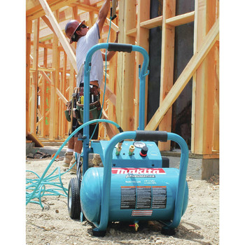 Factory Reconditioned Makita MAC5200-R 3.0 HP 5.2 Gallon Oil-Lube Wheeled Dolly-Style Air Compressor image number 11