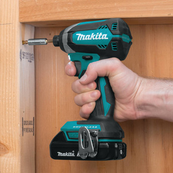 Factory Reconditioned Makita XDT13R-R 18V LXT Lithium-Ion Brushless 1/4 in. Hex Impact Driver Kit (2.0 Ah) image number 4