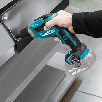 Makita XSF05Z 18V LXT 2,500 RPM Cordless Lithium-Ion Brushless Screwdriver (Tool Only) image number 2