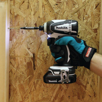 Factory Reconditioned Makita XDT04CW-R 18V 1.5 Ah Cordless Lithium-Ion 1/4 in. Hex Compact Impact Driver Kit image number 5