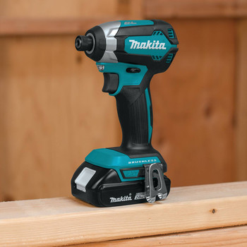Factory Reconditioned Makita XDT13R-R 18V LXT Lithium-Ion Brushless 1/4 in. Hex Impact Driver Kit (2.0 Ah) image number 6