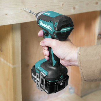 Factory Reconditioned Makita XDT131-R 18V LXT 3.0 Ah Cordless Lithium-Ion Brushless Impact Driver Kit image number 4