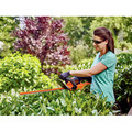 Factory Reconditioned Black & Decker LHT321R 20V MAX Cordless Lithium-Ion POWERCOMMAND 22 in. Hedge Trimmer image number 10