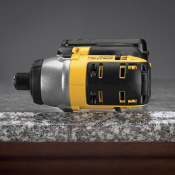 Dewalt DCF885M2 20V MAX XR Cordless Lithium-Ion 1/4 in. Impact Driver Kit image number 4