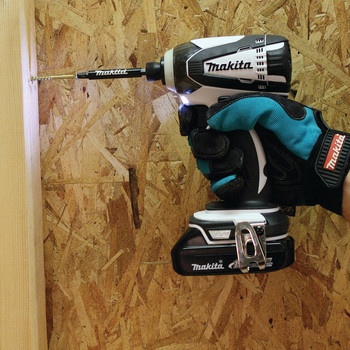 Factory Reconditioned Makita XDT04RW-R 18V LXT 2.0 Ah Cordless Lithium-Ion 1/4 in. Impact Driver Kit image number 3
