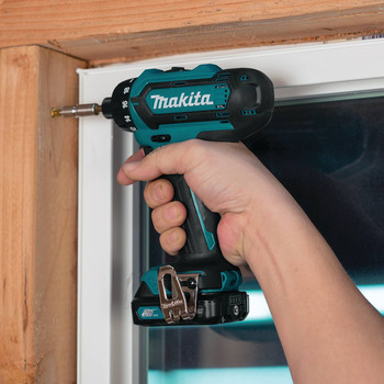 Makita FD06R1 12V max CXT Lithium-Ion Hex 1/4 in. Cordless Drill Driver Kit (2 Ah) image number 2