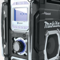 Factory Reconditioned Makita XRM04B-R 18V LXT Cordless Lithium-Ion Bluetooth FM/AM Job Site Radio (Tool Only) image number 3