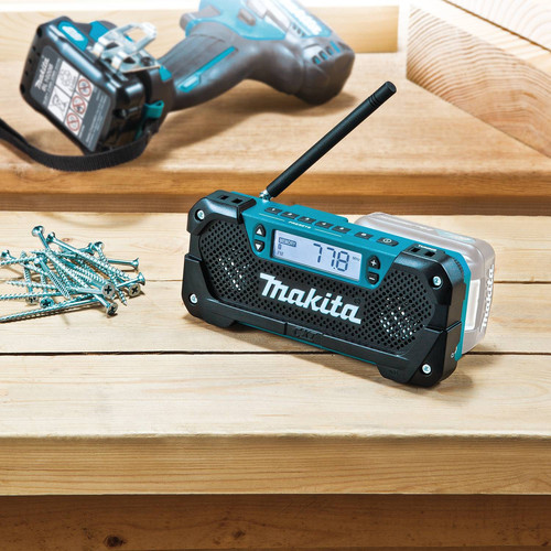 Makita RM02 12V max CXT Cordless Lithium-Ion Compact Job Site Radio (Tool Only) image number 7