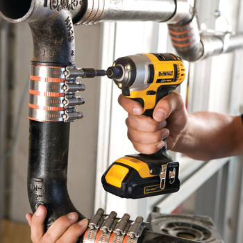 Dewalt DCF885C2 20V MAX Cordless Lithium-Ion 1/4 in. Impact Driver Kit image number 3