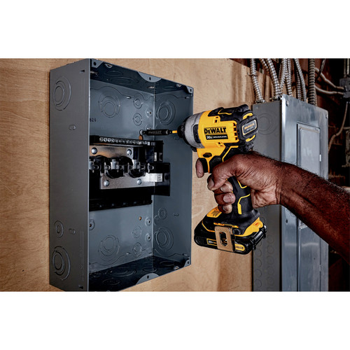 Dewalt DCF809C1 ATOMIC 20V MAX 1/4 in. Brushless Compact Impact Driver Kit image number 3