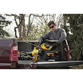 Dewalt DCHT820P1 20V MAX 5.0 Ah Cordless Lithium-Ion 22 in. Hedge Trimmer image number 4