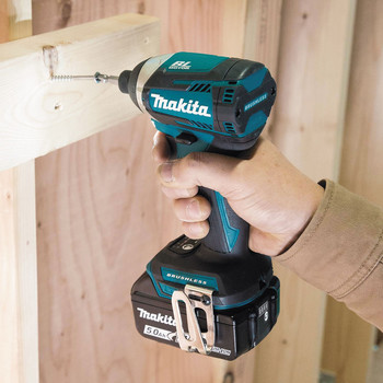 Makita XDT14T 18V LXT Cordless Lithium-Ion Brushless Quick-Shift 3-Speed Impact Driver image number 2