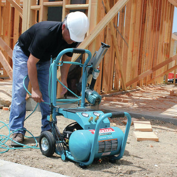 Factory Reconditioned Makita MAC5200-R 3.0 HP 5.2 Gallon Oil-Lube Wheeled Dolly-Style Air Compressor image number 12