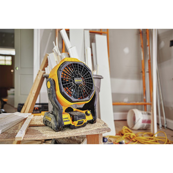 Dewalt DCE511B 20V MAX Cordless Lithium-Ion / Corded Jobsite Fan (Tool Only) image number 4