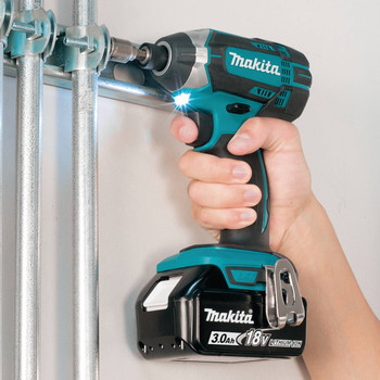 Factory Reconditioned Makita XDT111-R 18V LXT 3.0 Ah Cordless Lithium-Ion 1/4 in. Hex Impact Driver Kit image number 7