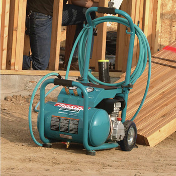 Factory Reconditioned Makita MAC5200-R 3.0 HP 5.2 Gallon Oil-Lube Wheeled Dolly-Style Air Compressor image number 10