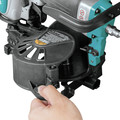 Makita AN454 1-3/4 in. Coil Roofing Nailer image number 3