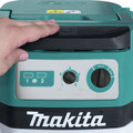Makita XCV07PTX 18V X2 LXT Lithium-Ion (36V) 5.0 Ah Brushless 2.1 Gallon HEPA Filter Dry Dust Extractor Kit image number 9