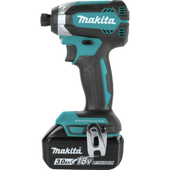 Factory Reconditioned Makita XDT131-R 18V LXT 3.0 Ah Cordless Lithium-Ion Brushless Impact Driver Kit image number 2