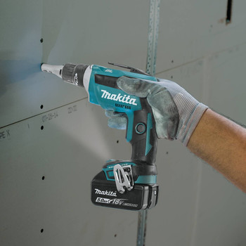 Makita XSF03T 18V LXT 5.0 Ah Lithium-Ion Brushless Cordless Drywall Screwdriver Kit image number 6