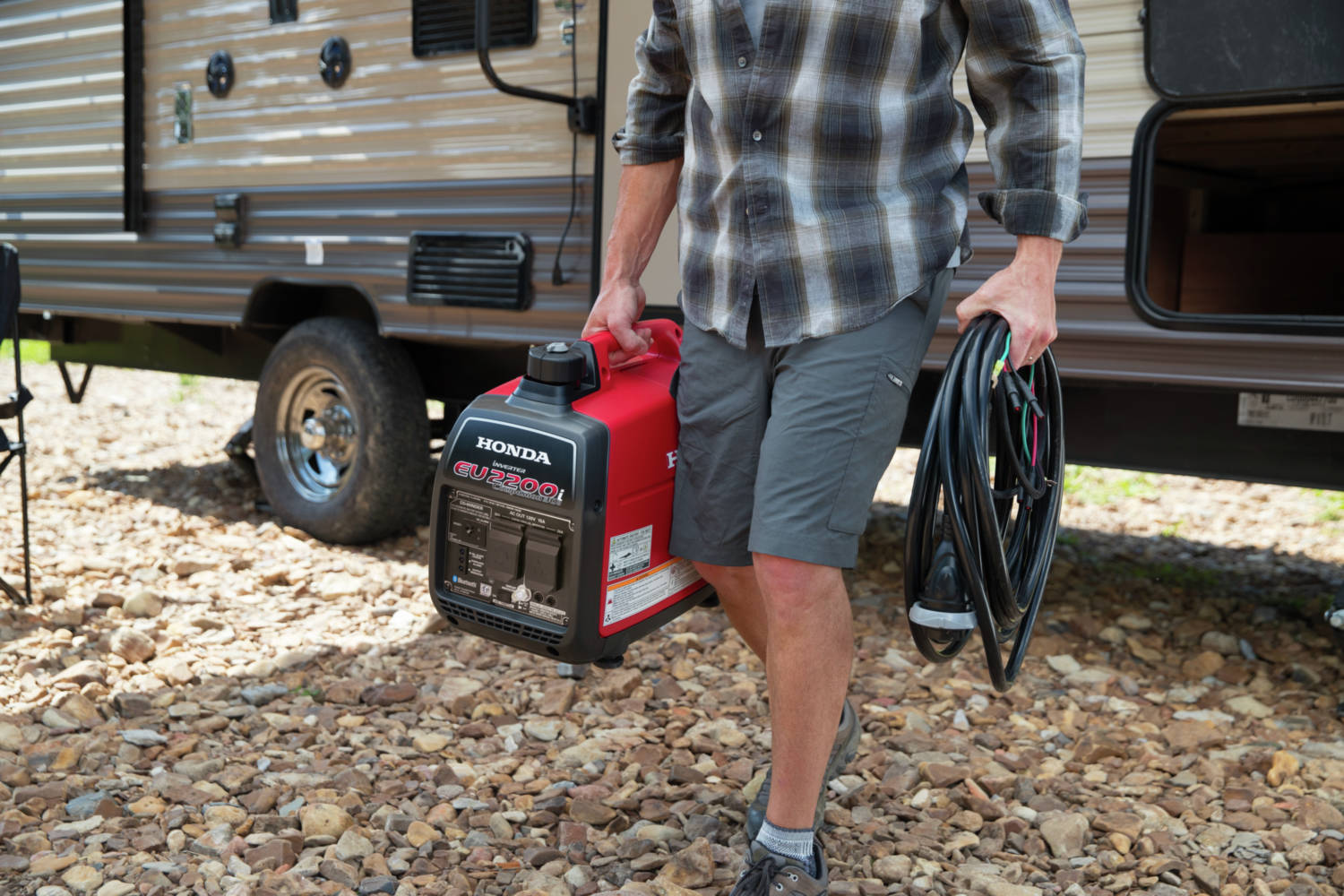 The EU2200i is lightweight and compact making it easy to transport and store