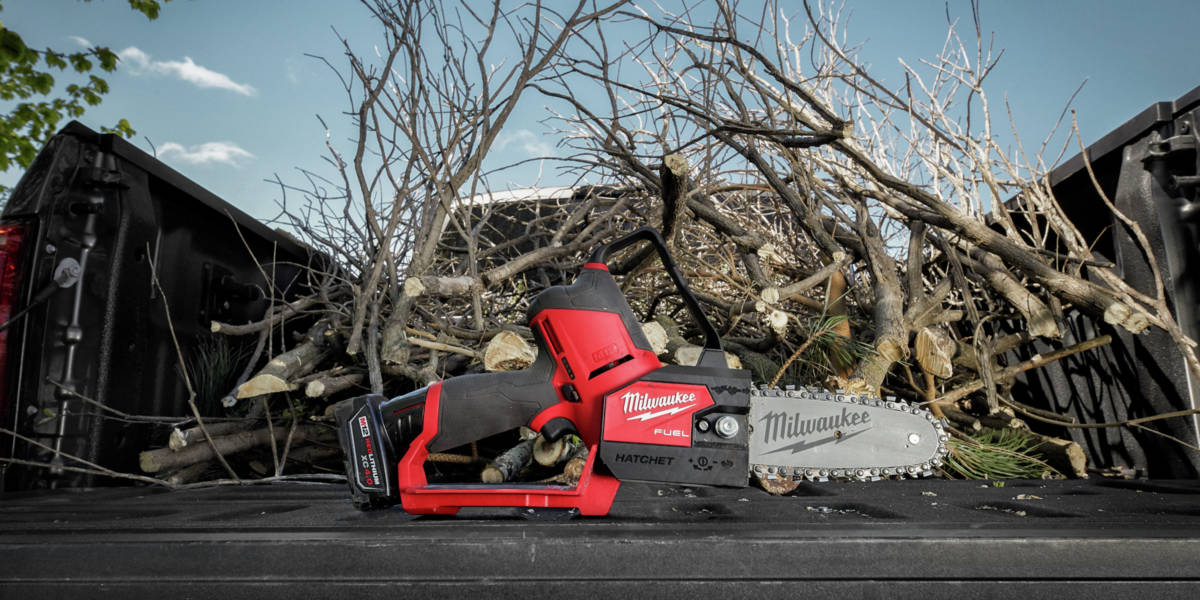 The new Milwaukee M12 FUEL HATCHET 6 in.Pruning Saw combines industry-leading features with unmatched access, control and power to create a best-in-class tool